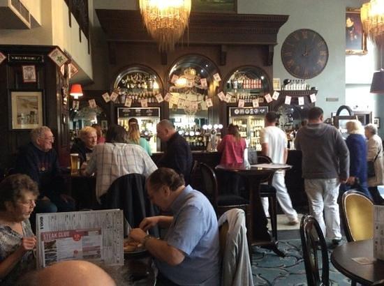 The Post & Telegraph: bar