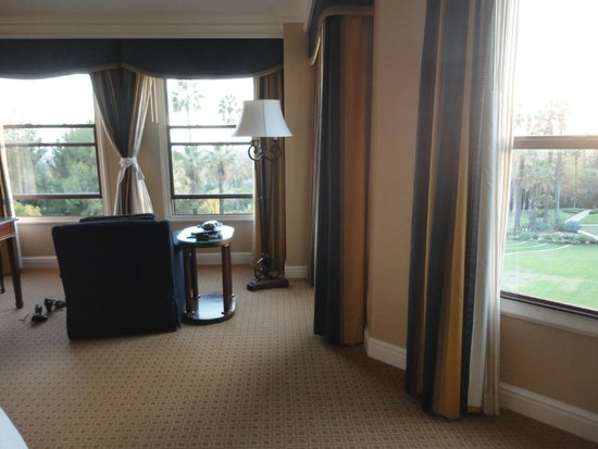 The Langham Huntington, Pasadena, Los Angeles: Room 502 overlooking the Horseshoe garden and L.A. from afar