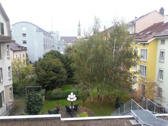 Best Western Hotel Wartmann am Bahnhof: 2Fから見た中庭