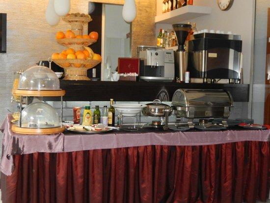 Hotel Unique: Breakfast buffet