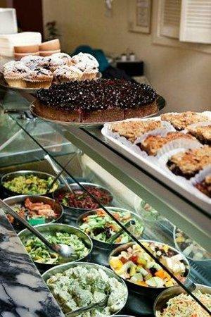 Cornucopia Restaurant: Salad Counter