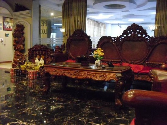 King Fy Hotel: フロント・ロビー
