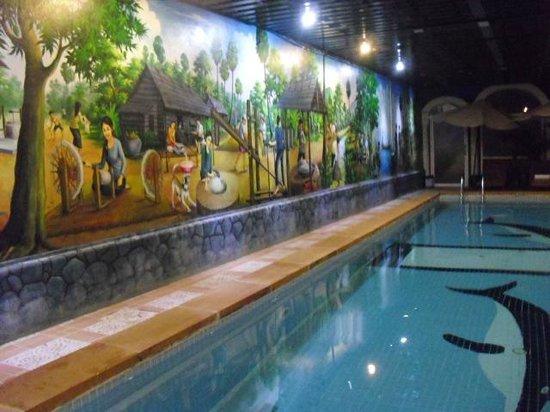 King Fy Hotel: 室内プール