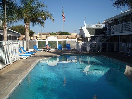 Beach Haven Inn : Skön pool