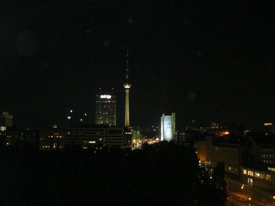 Ibis Berlin Mitte: alex notte