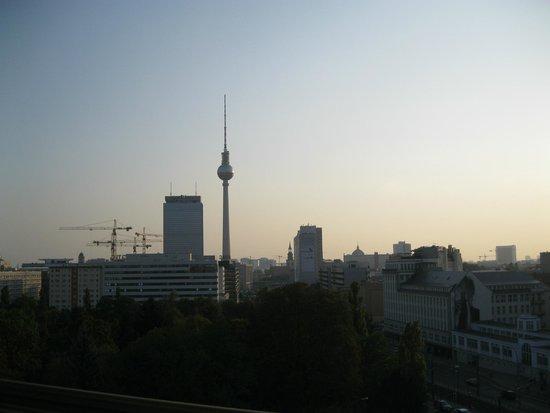 Ibis Berlin Mitte: alexanderplatz tramonto