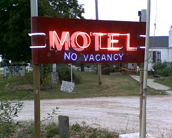 Weaubleau, MO: Motel sign