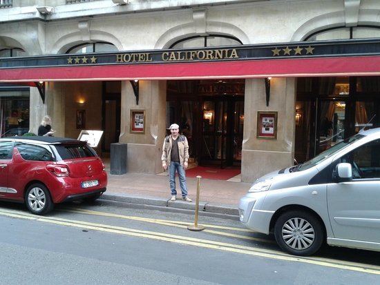 Hotel California Paris Champs Elysees : Fachada do Hotel