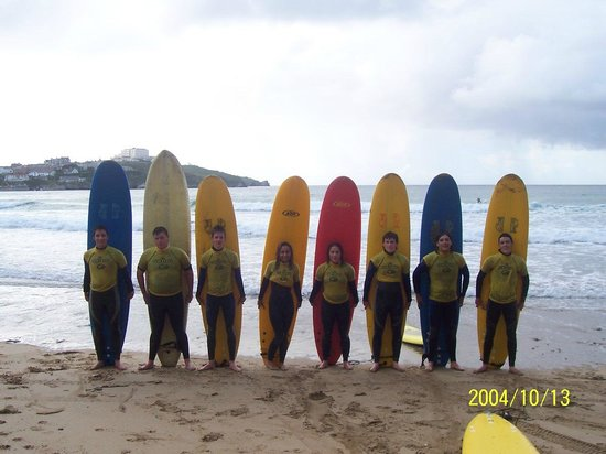 Porthtowan, UK: Beginners line up!