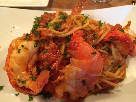 Bacco Wine Cafe: Giant Shrimp Prawns and Spaghetti