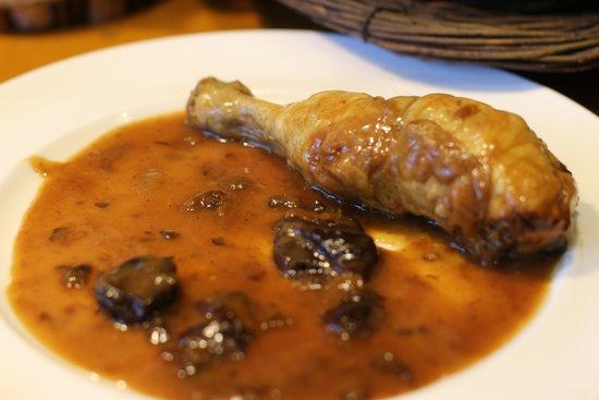 Hotel Les Brases: Cuixa de pollastre amb prunes