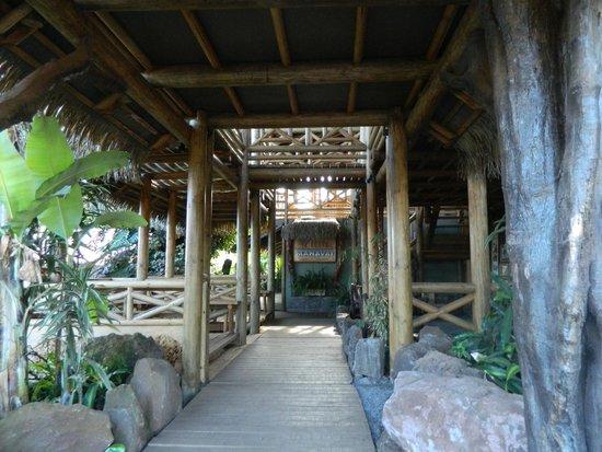 Entrada Hotel Manavai