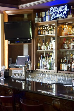 The Woodford Inn : Addie's Bourbon Bar is a fun area to gather with friends and enjoy a delicious dinner!