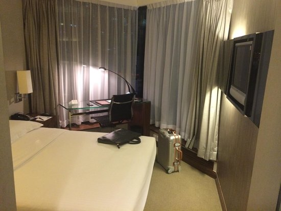 The Kowloon Hotel: It's all your room, no space to open a suitcase!
