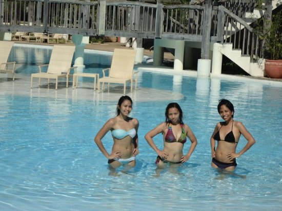 Bluewater Panglao Beach Resort Our Media Las Posing At The Pool