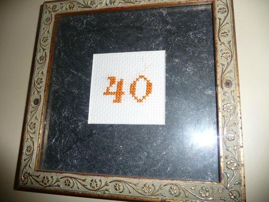 Hotel Mediterraneo : Room number - embroidered