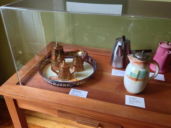 Museo Mucho chocolate : Coffee pots from around the world