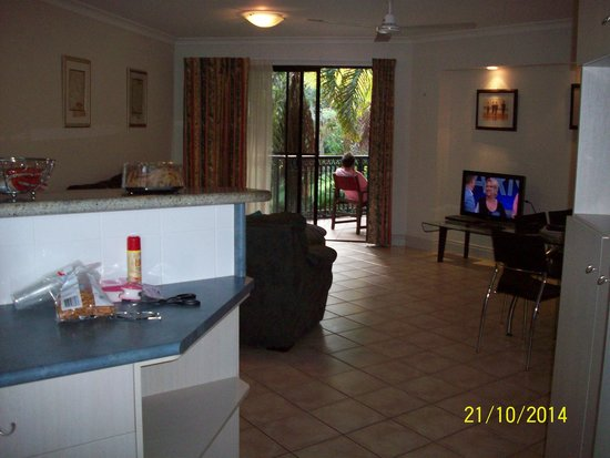 Trinity Links Resort and Apartments: view from kitchen to balcony