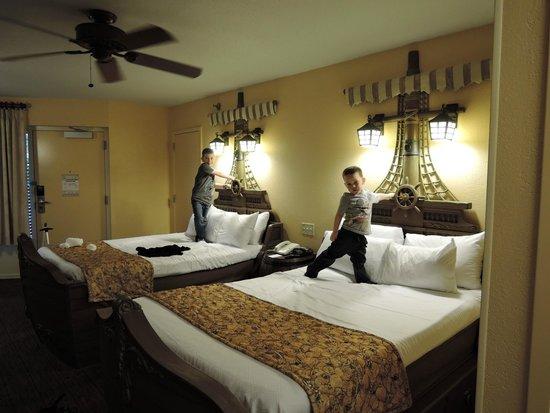 Disney S Caribbean Beach Resort Beautiful Beds Pirate Room