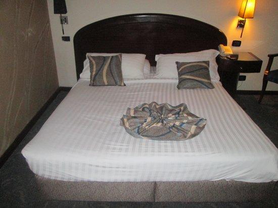 Cherry Maryski Hotel: ベッド