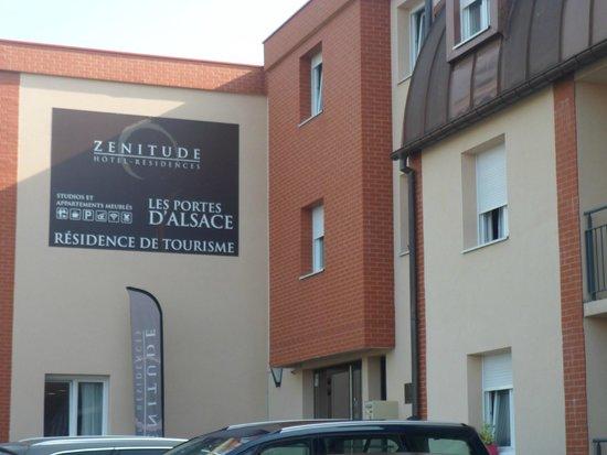 La terrasse picture of zenitude hotel residences les - Residence les jardins d alsace strasbourg ...