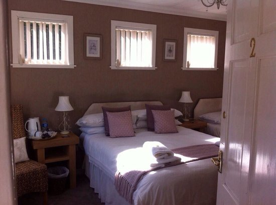 Blar Mhor B&B: Room 2 on ground floor annexe.
