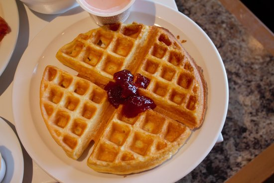 Quality Inn Santa Ynez Valley : delicious waffles