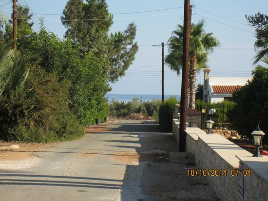 Theos Club Villas : View from the gate towards the sea.