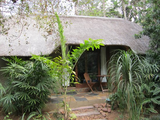 Mhlati Guest Cottages: our cottage room