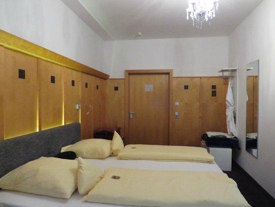 Hotel Kaiserhof: Room 109