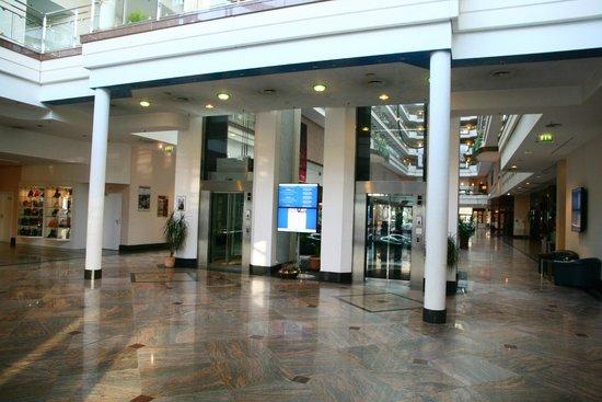 Maritim Hotel Magdeburg Foyer 4