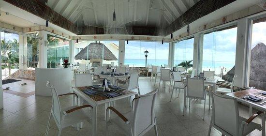 Grand Park Royal Cancun Caribe: La Concha Restaurant