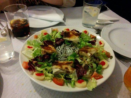 Restaurante El Navazal: Ensalada queso de cabra crujiente