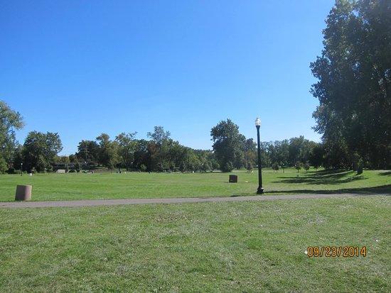Huroc Park: open land