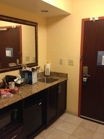 Hampton Inn & Suites Denver Highlands Ranch: Kitchenette area - King Suite