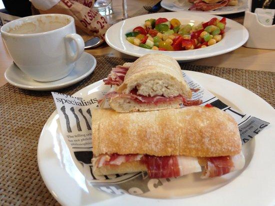 NH Madrid Suecia: lunch
