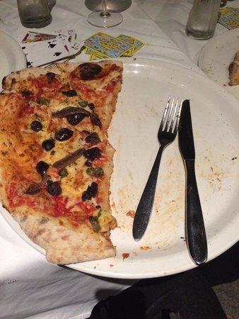 La Casa Ristorante Pizzeria: ... And that's the half I've got to take home!!! I'm stuffed!