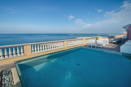 Grand Hotel Palazzo Mgallery By Sofitel Swimming Pool