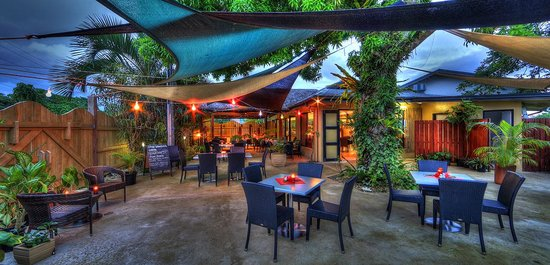 Restaurant 1606 at Village de Santo Resort : Al fresco anyone !