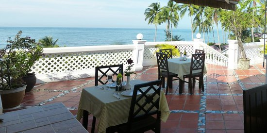 Grace Boutique Resort: Open air dining