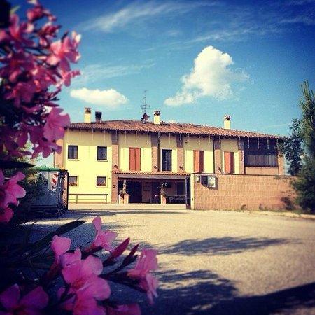 San Pietro in Casale照片