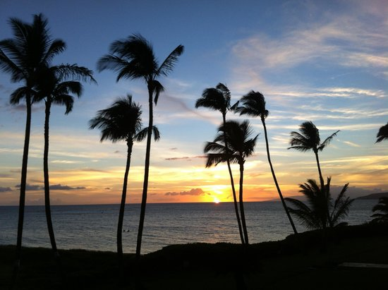 Menehune Shores: Just another beautiful evening.