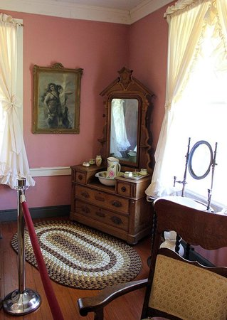 Room in which Sherman reputedly stayed