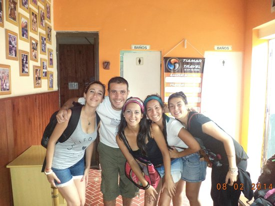 Exxes Hostel: Foto con el dueño