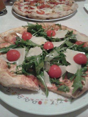 Ristorante - Fellini: Leckere Pizza