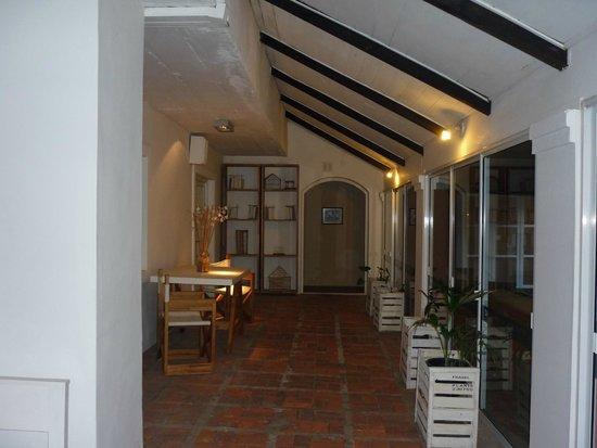 Days Inn Casa Del Sol Colonia: Bonita deco...