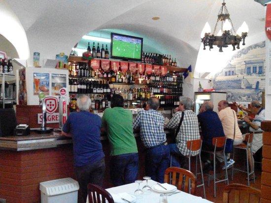 TV para ver a bola - Foto de Restaurante Vale do Rio d4059030ebc70