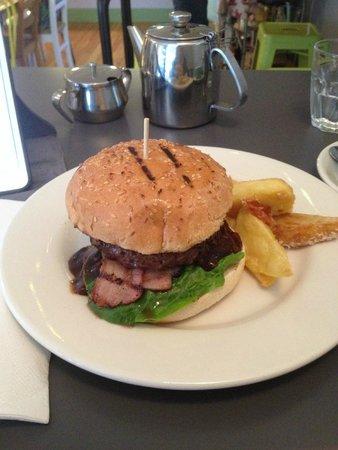 The Canteen: Grinder burger
