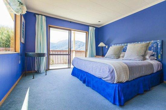 Marlborough Sounds Adventure Company - Day Tours: En-suite room at Punga Cove Resort