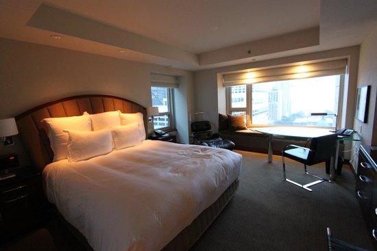 Park Hyatt Chicago: Cornerroom on 18th floor